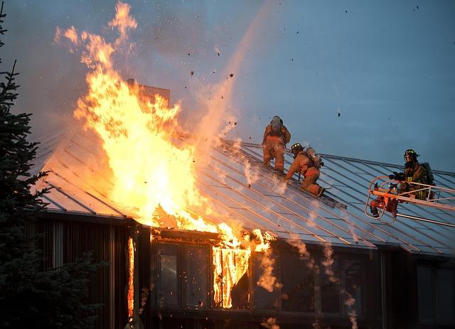 požár budovy